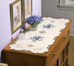 Collections Etc Lace Violet Dresser Scarf Table Runner